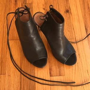 Joie Black Leather Heeled Lace-Up Ankle Booties